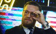 Боец смешанных единоборств, бывший чемпион турнира UFC Конор Макгрегор на пресс-конференции.