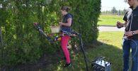 Специалисты канадского Университета Шербрук создали роботизированную руку, которая крепится на талию и может помочь решить дела по хозяйству.