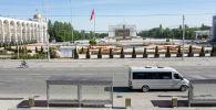 Бишкектин Ала-Тоо аянтындагы маршрутка. Архив