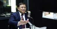 Спикер Жогорку Кенеша Дастан Джумабеков в интервью Sputnik Кыргызстан ответил на критику депутатов, что торага стал адвокатом правительства.