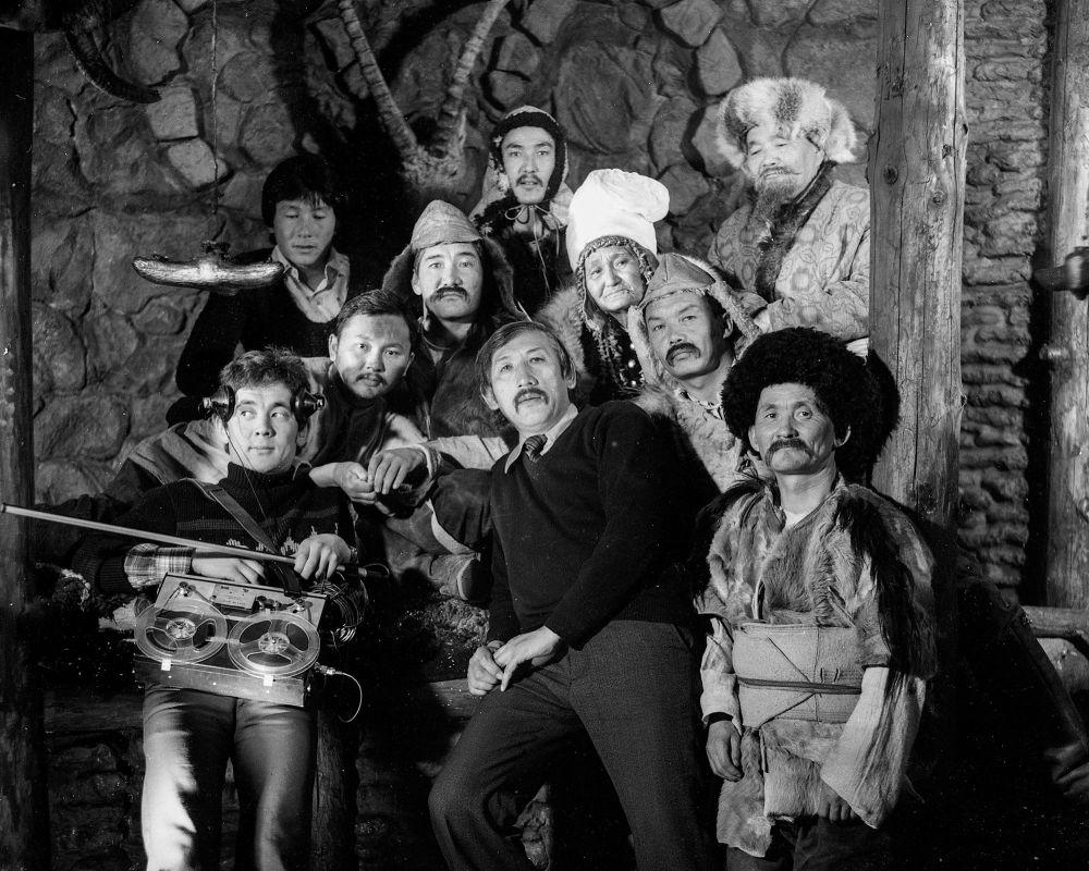 Марат Жантелиев с коллегами и представителями старшего поколения, 1984 год