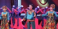 Несмотря на эпидемиологическую обстановку, в Бишкеке провели концерт, посвященный Дню России. В столичной филармонии таких мероприятий еще не было: в зале ни одного зрителя, а на сцене десятки артистов...