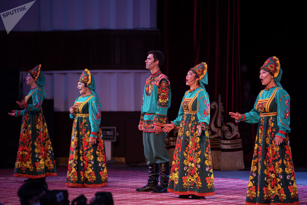 Бишкекте Россия күнүнө карата онлайн-концерт болду