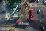 Бүгүн Бишкектин түштүк тарабындагы коомдук тамактануучу жай жана дарыканадан өрт чыгып, жалын жанындагы объектилерге да жармашты. Тилсиз жоонун кесепетинен бир адам каза тапты.
