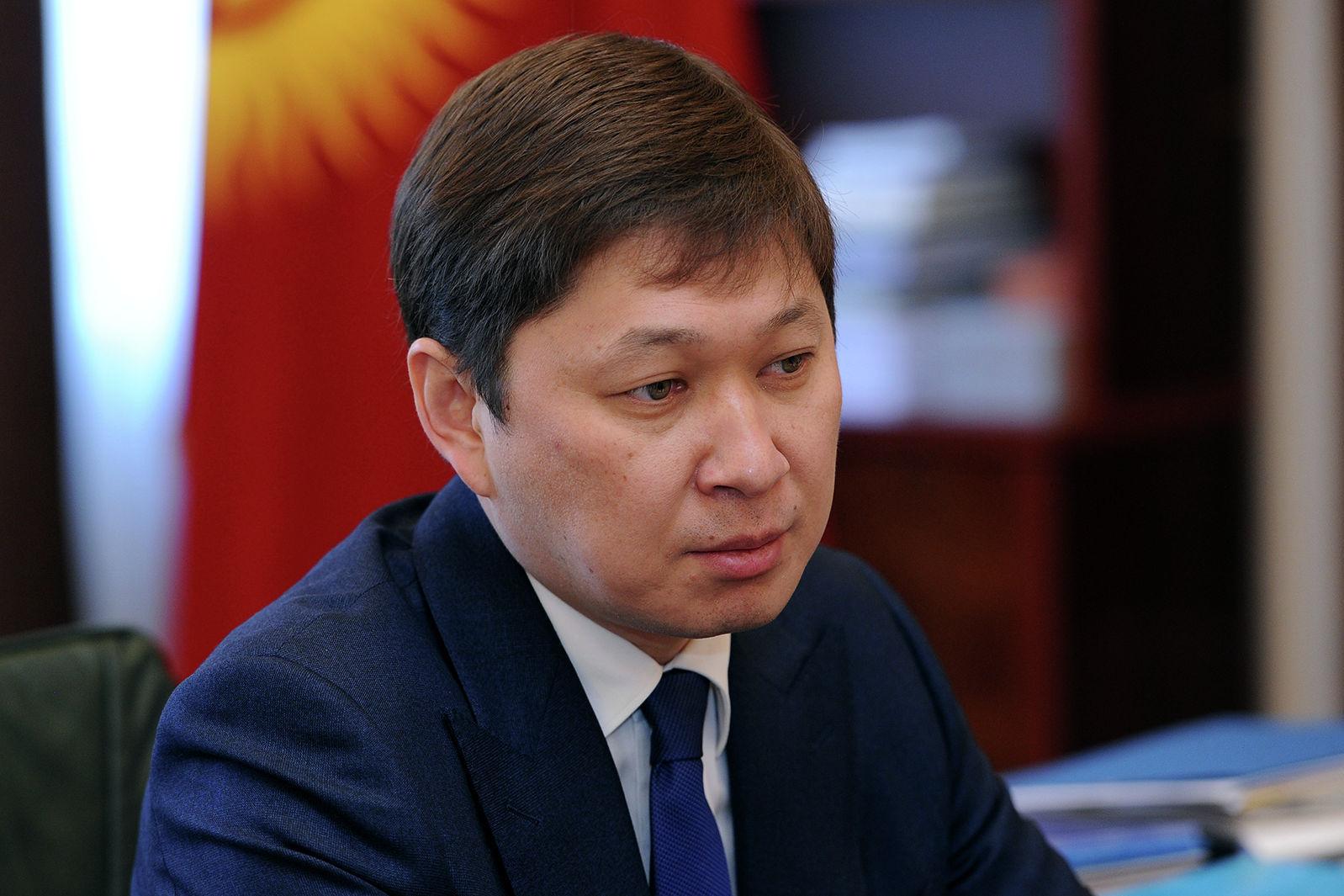Бывший премьер-министр Кыргызской Республики Сапар Исаков во время встречи с председателем ГПС