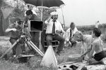 Известный режиссер Болот Шамшиев, актриса Айтурган Темирова и Нургазы Сыдыгалиев во время съемок фильма Белый пароход в Фрунзе. 1974 год
