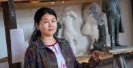 Скульптор Тамила Маматова в своей мастерской
