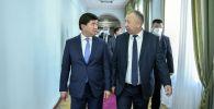 Кубатбек Боронов жана Мухаммедкалый Абылгазиев. Архив