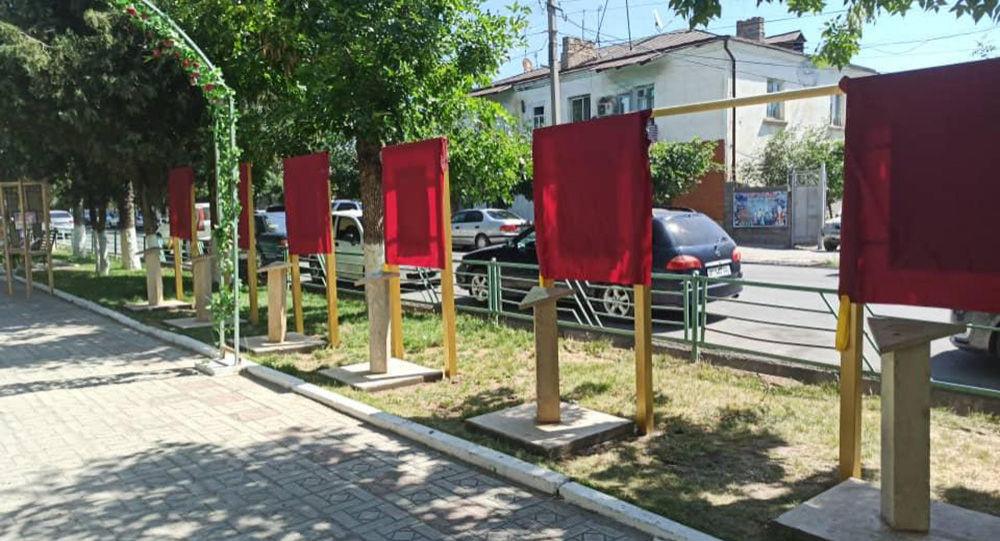 В Джалал-Абаде состоялось торжественное открытие аллеи памяти семи героев Советского Союза, проживавших в этом городе