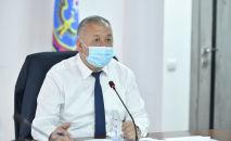 Премьер-министр Кубатбек Боронов. Архивдик сурөт