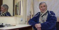 Белгилүү кино жана театр актеру, кыргыз эл артисти Чоро Думанаев. Архив