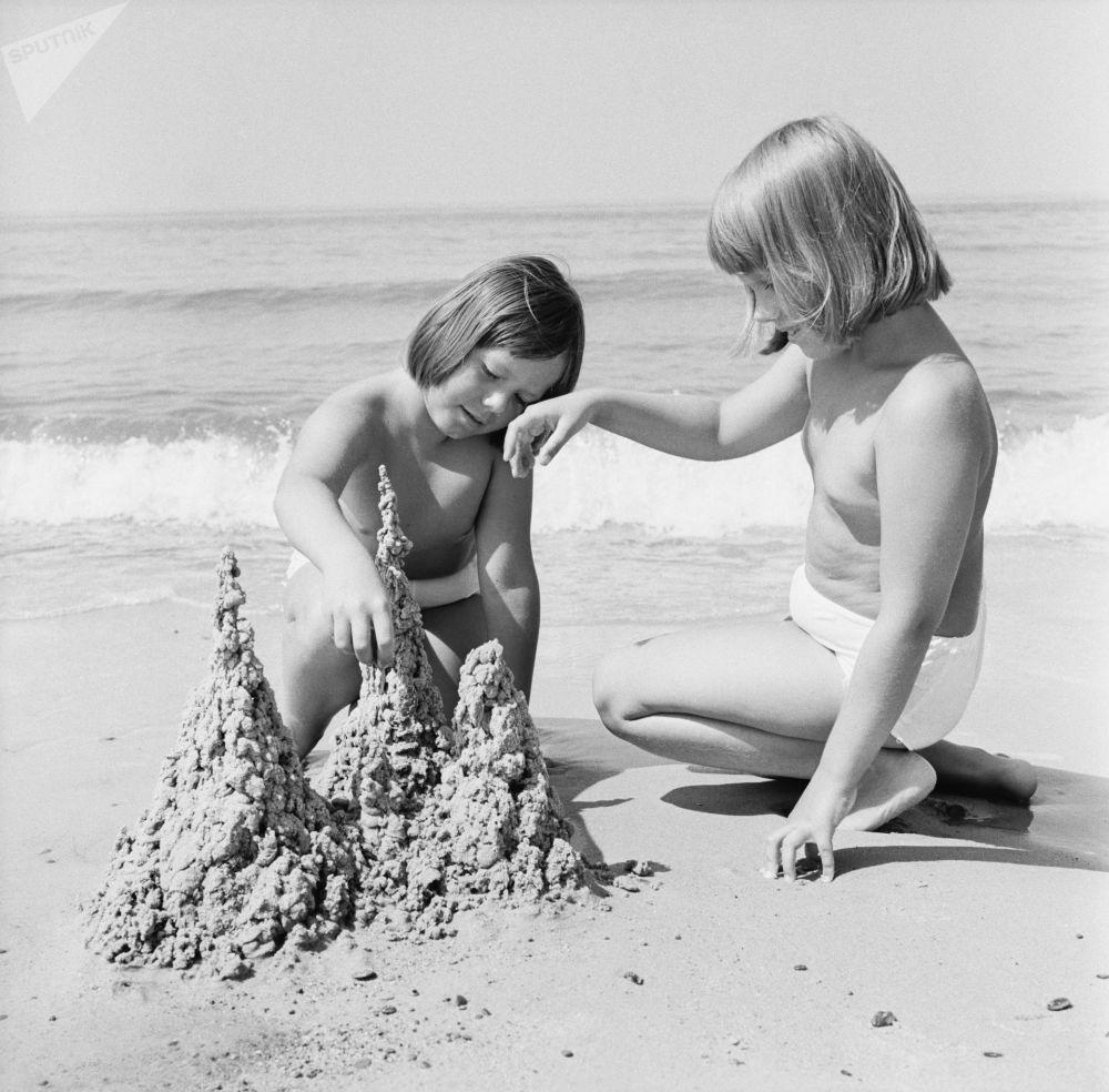 На Балтийском море. 1977