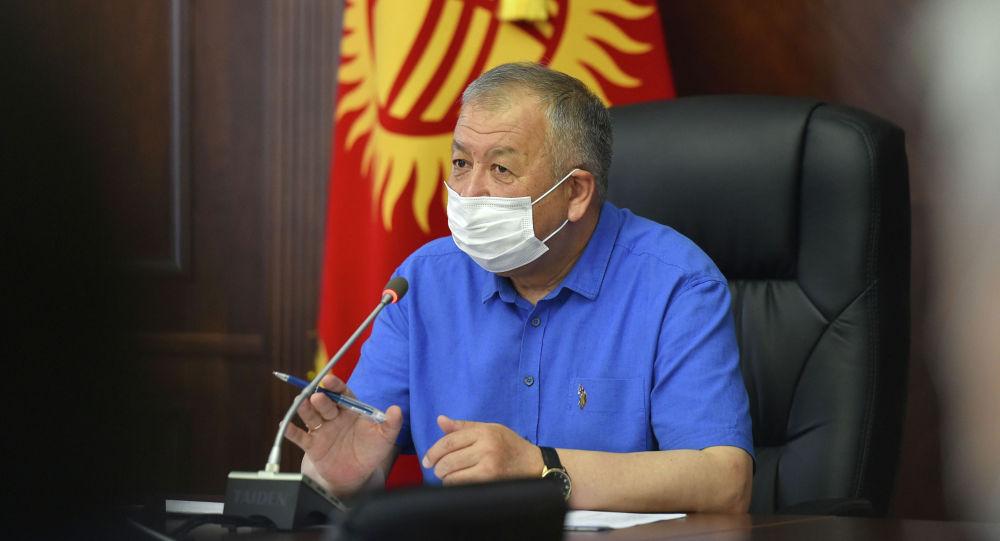 Премьер-министр Кубатбек Боронов өкмөттүн жыйынында