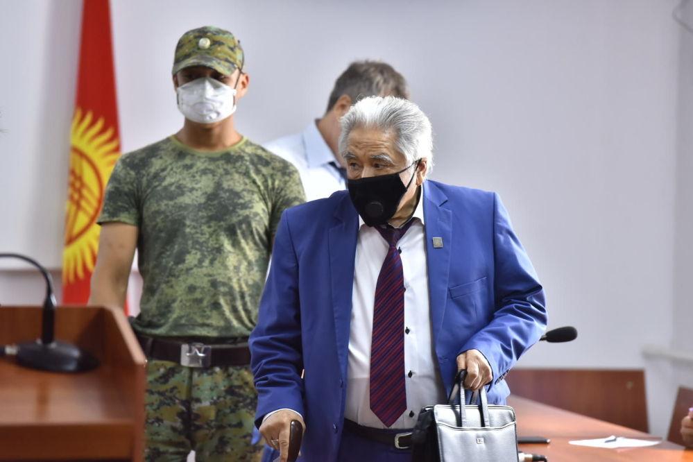 Академика, доктора медицинских наук Абдулхалима Раимжанова, который якобы поставил диагноз Батукаеву, признали виновным, но не стали наказывать в связи с истечением срока давности дела