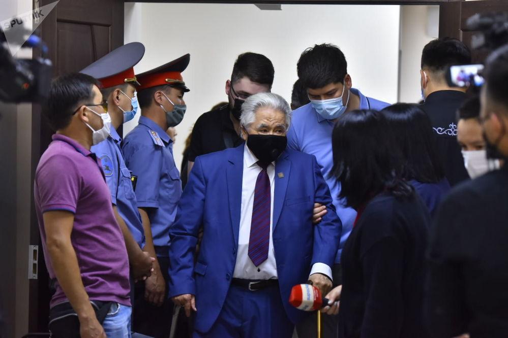 Врача освободили из-под стражи в зале суда