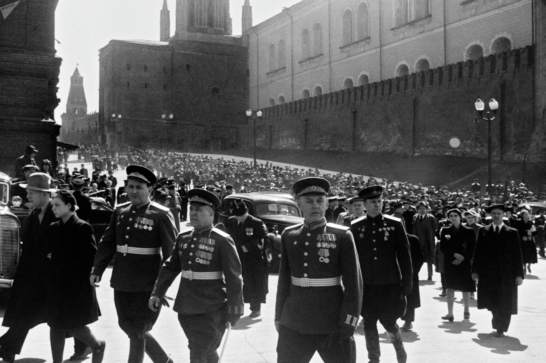 Москва. Красная площадь 24 июня 1945 года.