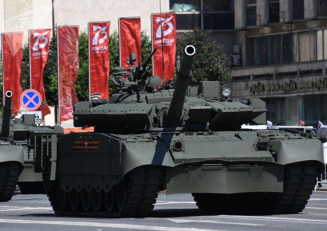 Военная техники перед началом военного парада в ознаменование 75-летия Победы в Великой Отечественной войне 1941-1945 годов на Красной площади в Москве.
