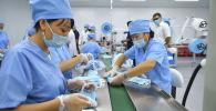 Открытие цеха по производству одноразовых медицинских масок в Бишкеке
