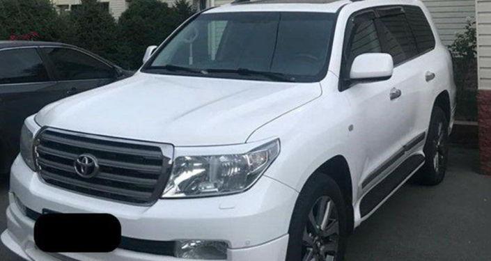 Автомобиль подозреваемых в серии ограблений банков, обменок и магазинов