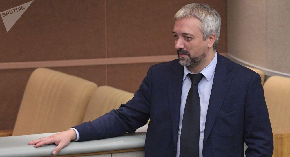 Росскызматташтык жетекчиси Евгений Примаков. Архивдик сүрөт