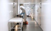 Медицинские работники в отделении больницы. Архивное фото