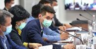 Бишкекский эпидемиолог Бакыт Джангазиев на заседании Республиканского оперативного штаба.