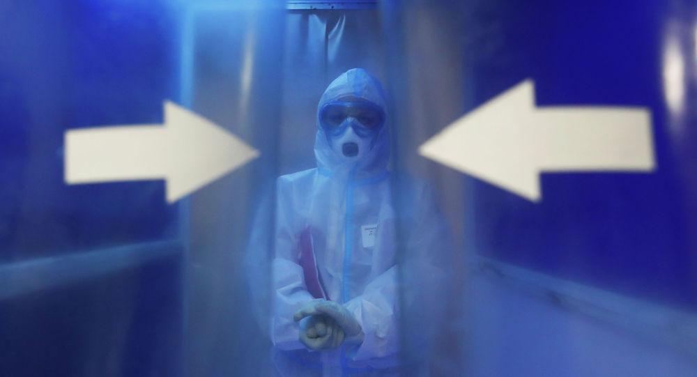 Медицинский работник. Архивное фото