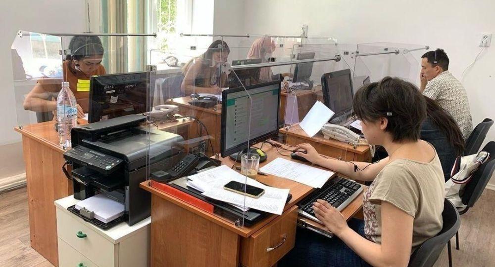 Операторы службы 118 во время работы
