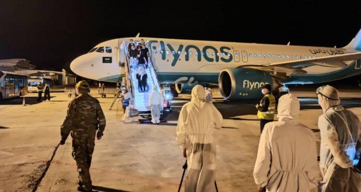 В Бишкеке приземлился самолет из Саудовской Аравии, на котором прибыл 121 гражданин Кыргызстана