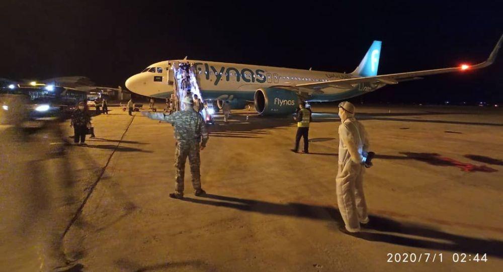 Тышкы иштер министрлигинин жардамы менен Сауд Аравиясынан 121 кыргызстандык мекенине алып келинди