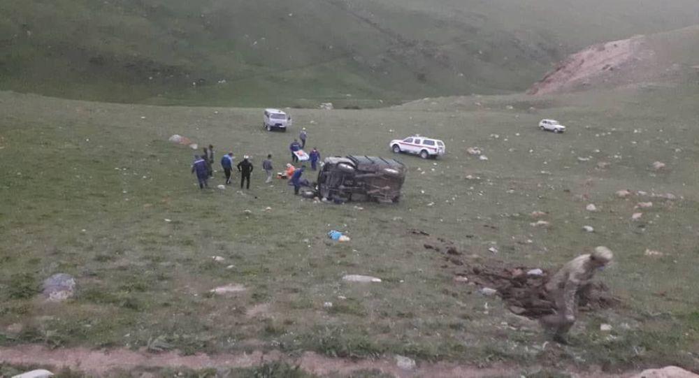 Ысык-Көлдүн Тоң районунун Бөкөнбаев айылындагы жол кырсыгы