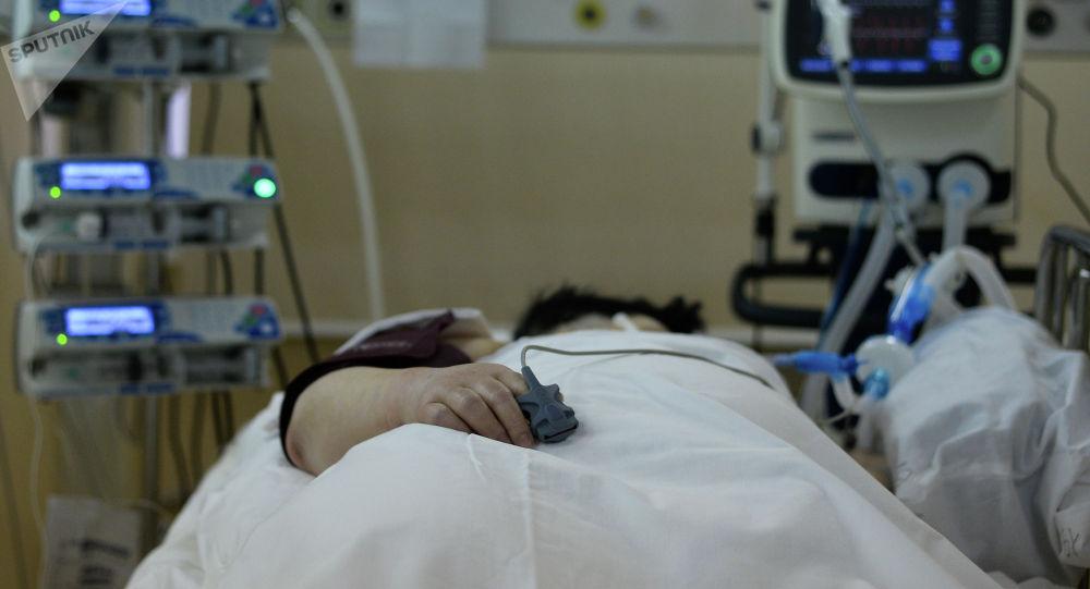 Пациент в палате центральной клинической больницы. Архивное фото