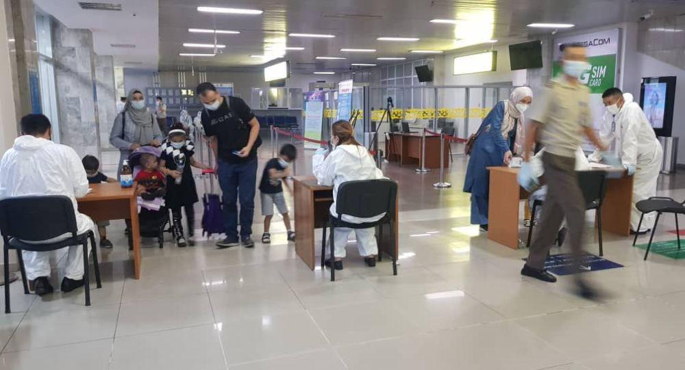 Возвращение 103 граждан КР из Бангладеш
