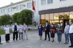 Баткен облусунан 20 медицина кызматкери Бишкек шаарына коронавирус илдети менен күрөшүүгө көмөк көрсөтүү үчүн ыктыярдуу түрдө жөнөп кетишти