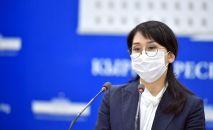 Вице-премьер-министр КР Аида Исмаилова на брифинге