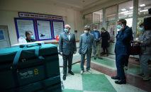 Россиядан келген дарыгерлер ишке киришип, тест-система беришти