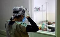 Медик в больнице. Архивное фото