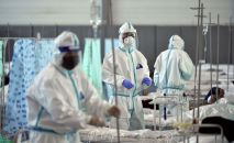 Медицинские работники на одном из дневных стационаров в Бишкеке