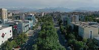 Вид с высоты на улицу Правды в Бишкеке. Архивное фото