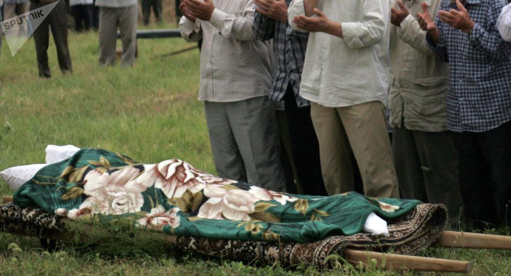 Похороны на мусульманской кладбище. Архивное фото