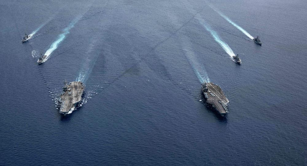 Ударные группы ВМС США Рональд Рейган (CVN 76) и USS Nimitz (CVN 68) в Южно-Китайском море во время учений. 6 июля 2020 года